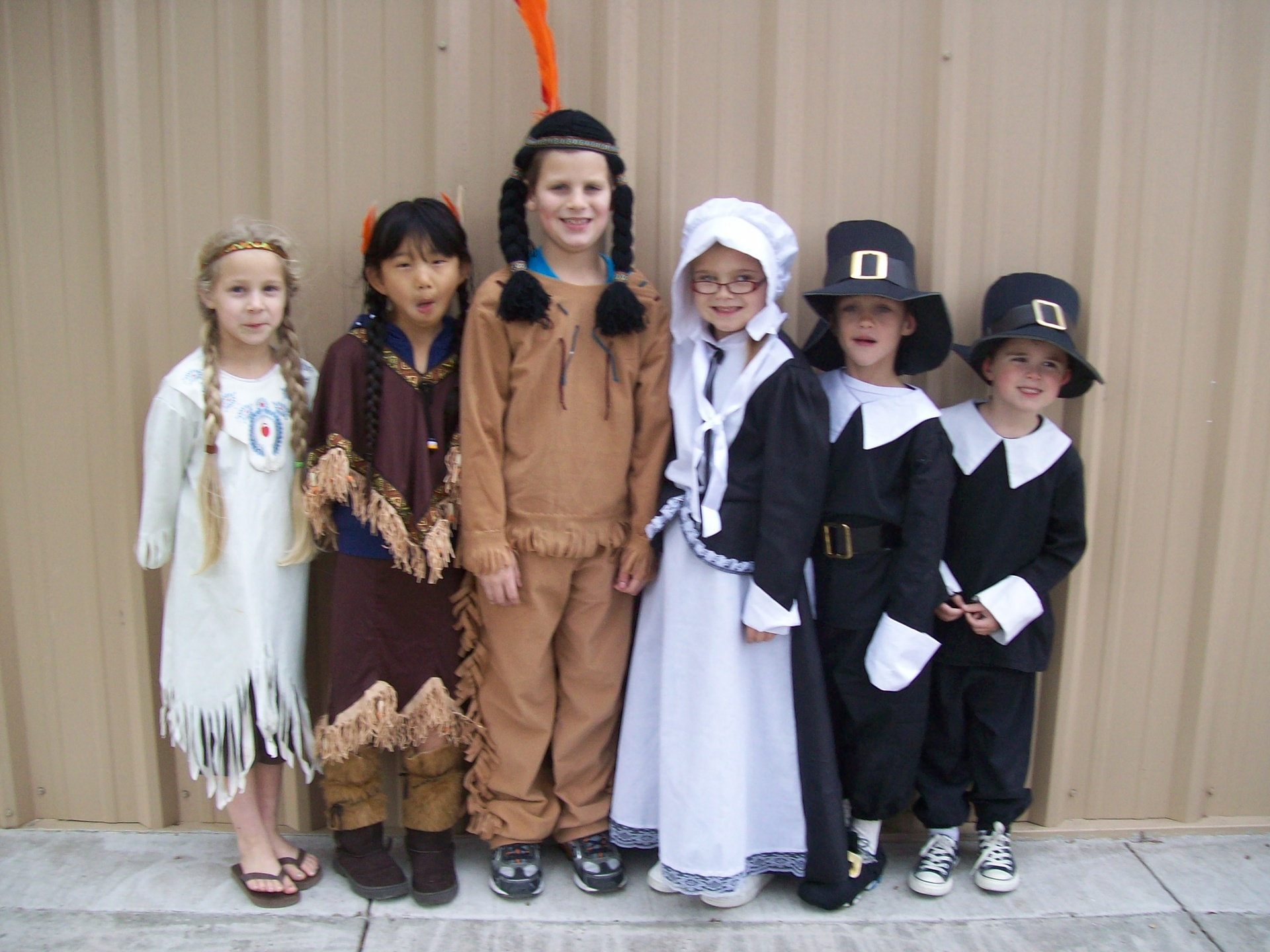 Thanksgiving Indians & Pilgrims Day