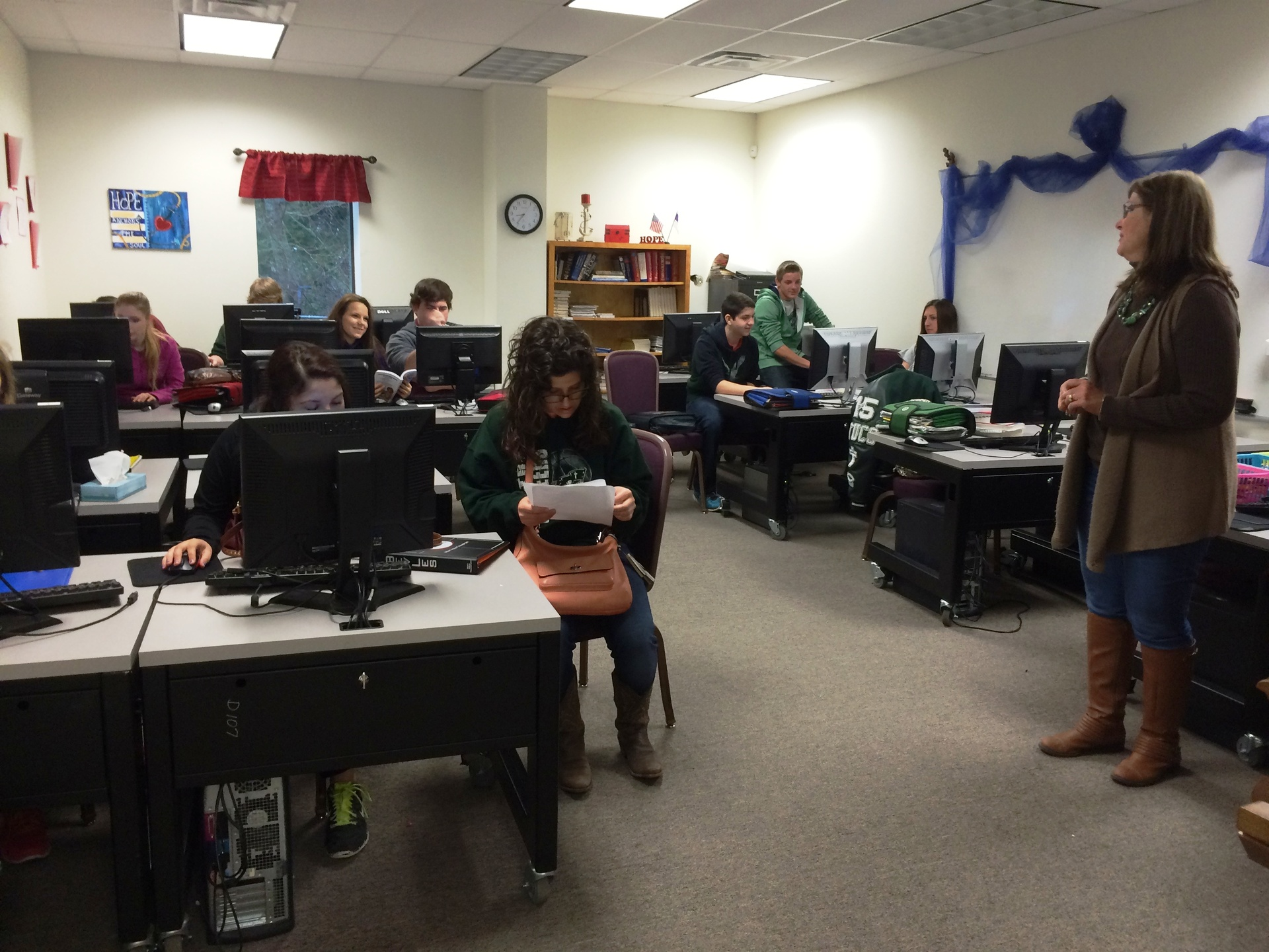 One of the Writing Lab classes